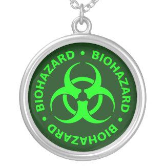 Colar verde do símbolo do Biohazard