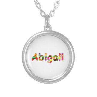 Colares de Abigail