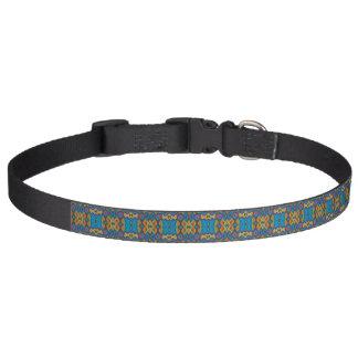 Coleira de cão multicolorido do teste padrão -