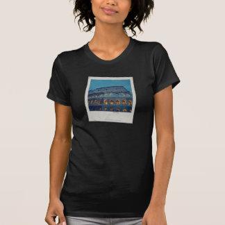 Colosseum romano na noite camiseta