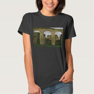 Colosseum visto através das arcadas em Roma, Tshirts