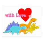 com o cartão bonito dos dinossauros do coração do  cartao postal