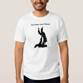 Coma a repetição do judo do sono t-shirt