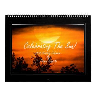 Comemorando o calendário mensal de The Sun 2018
