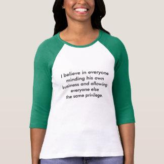 Comemorando o individualismo & a diversidade camiseta