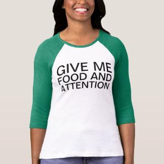 comida e atenção t-shirt