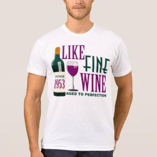 COMO O VINHO fino envelhecido ao vintage 1953 da Camiseta