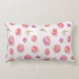 Composição floral bonita almofada lombar