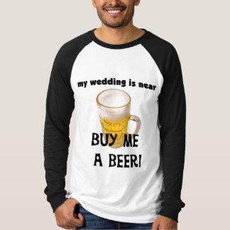 Compre-me um despedida de solteiro da cerveja camiseta