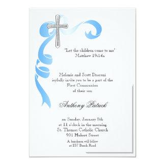 Comunhão da cruz da prata da fita azul convites personalizados