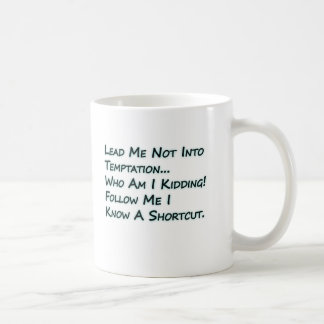 Conduza-me não na tentação caneca de café