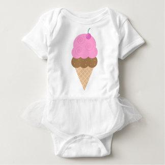 Cone cor-de-rosa do sorvete camisetas