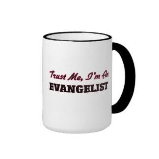 Confie que eu mim é um evangelista caneca com contorno