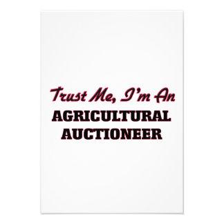 Confie que eu mim é um leiloeiro agrícola convite personalizados