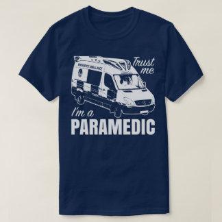 Confie que eu mim é um T da ambulância da Camiseta
