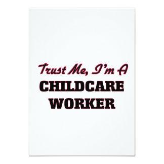 Confie que eu mim é um trabalhador da puericultura convite personalizados