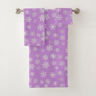 Conjunto De Toalhas Flocos de neve do branco 3 d em um fundo do lilac