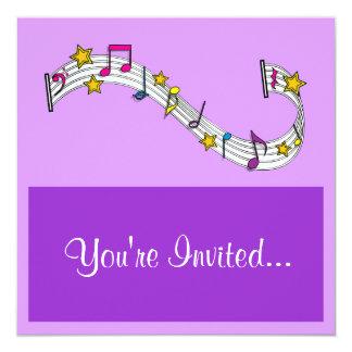 Considerando da música ou convite do desempenho