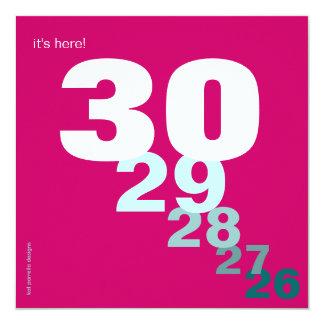 Contagem regressiva engraçada do aniversário para convite quadrado 13.35 x 13.35cm