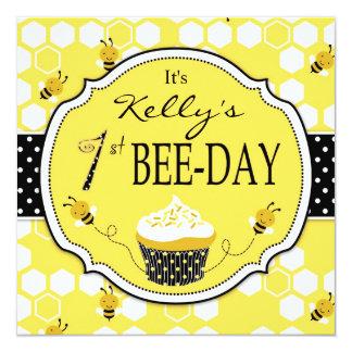 Convite 2 do aniversário do cupcake da abelha do