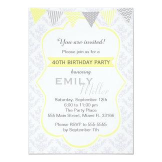Convite adulto cinzento amarelo do aniversário do