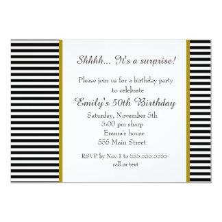 Convite adulto do aniversário das listras brancas