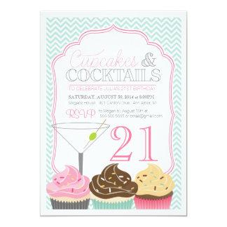 Convite adulto do aniversário dos cupcakes & dos
