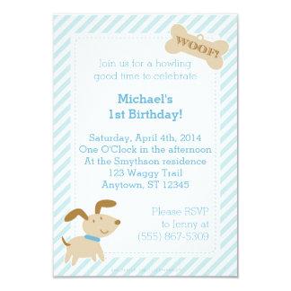Convite azul do cão de filhote de cachorro com