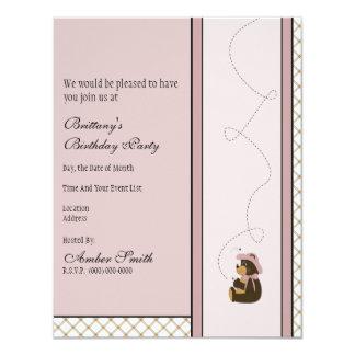 Convite bonito da xadrez de Tan do urso de Brown Convite 10.79 X 13.97cm
