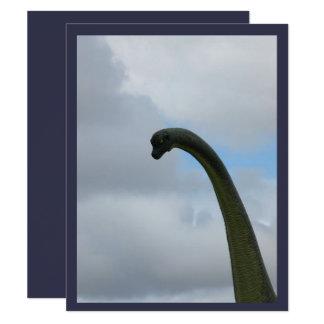 Convite bonito do dinossauro