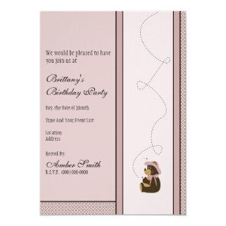 Convite bonito dos diamantes do urso de Brown