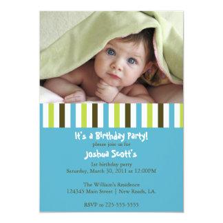 Convite colorido do aniversário