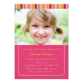 Convite colorido do aniversário da foto dos miúdos