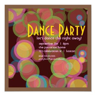 Convite colorido do dance party da luz do disco do