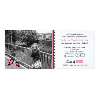 Convite cor-de-rosa bonito da festa de formatura