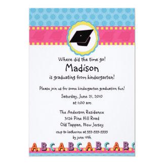 Convite cor-de-rosa BONITO da graduação do jardim