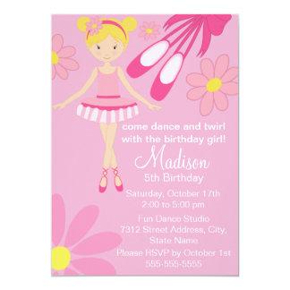 Convite cor-de-rosa bonito do aniversário da dança
