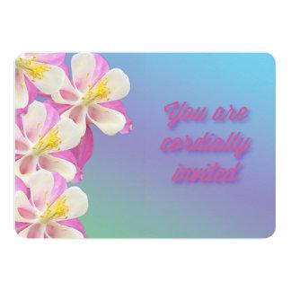 Convite cor-de-rosa & branco da flor aquilégia do