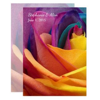 Convite cor-de-rosa do casamento do arco-íris