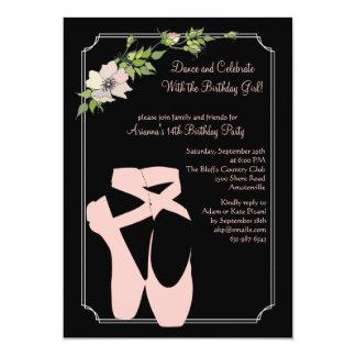 Convite cor-de-rosa dos calçados de dedo do pé