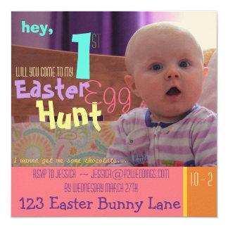 Convite da caça do ovo da páscoa do bebê engraçado
