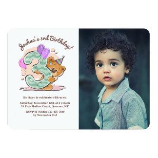 Convite da foto da criança de três anos do urso de