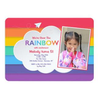 Convite da foto do céu do arco-íris