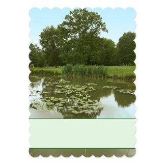 Convite da lagoa do lírio - almofadas de lírio no