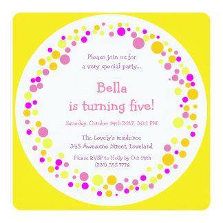 Convite de aniversário colorido da menina dos