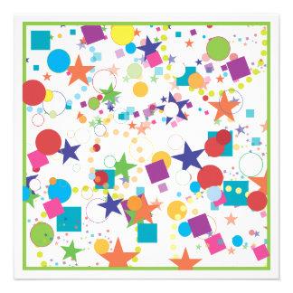 Convite de aniversário da celebração dos confetes