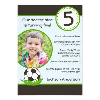 Convite de aniversário da foto da bola de futebol