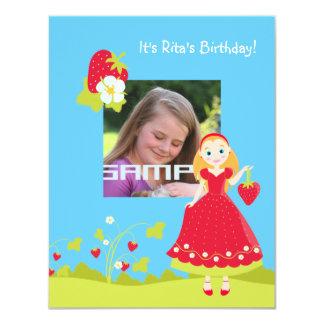 Convite de aniversário da menina da morango