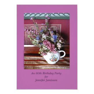 convite de aniversário do 80, flores no bule