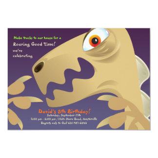Convite de aniversário do close up do dinossauro